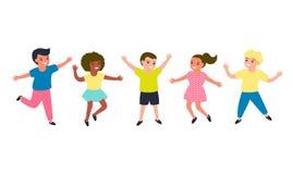 Frohe Kinder springen zusammen Die Freizeitkleidung der mehrfarbige Kinder Glückliche Kindheit von Jungen und von Mädchen Lokalis lizenzfreie abbildung