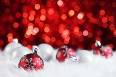 Frohe Weihnachten 2017 in der hölzernen Beschaffenheit im Perspektivenraum mit funkelnder roter bokeh Wand und hölzernem Plankenb Lizenzfreie Stockbilder