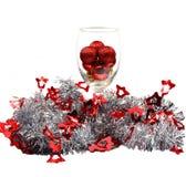 Frohe Weihnachten lokalisiert mit Regenbogenrot Stockfoto