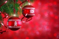 Frohe Weihnachten und guten Rutsch ins Neue Jahr Ein neues Jahr ` s Hintergrund mit Dekorationen des neuen Jahres Neues Jahr ` s  Lizenzfreie Stockfotografie