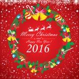 Frohe Weihnachten und guten Rutsch ins Neue Jahr 2016 Weihnachtsmann und Ren Der weiße Schnee und das Weihnachtszubehör auf rotem Lizenzfreie Stockfotos