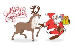 Frohe Weihnachten und neue Jahre Karte, die Santa Claus mit Geschenken und Ren geht stockfoto