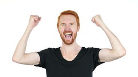 Froher junger gestikulierender Mann, Glück, Erfolg, gute Nachrichten, weißer Hintergrund