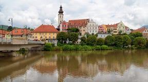 Frohnleiten Panoramiczny widok stary miasteczko i rzeki Mur, Austria zdjęcie stock
