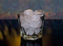 Froid, boisson, glace Whiskey et coke de glace image stock