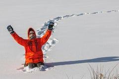 Frolic мальчика в зиме стоковое изображение rf