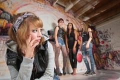 Förolämpad flicka som över ser Fotografering för Bildbyråer