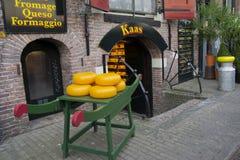 Fromage à vendre à Amsterdam Photos stock