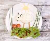 Fromage blanc servi à un enfant Image libre de droits
