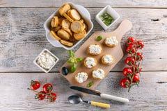 Fromage blanc sur la bruschette Photos libres de droits