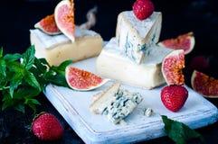Fromage bleu et figues douces de fruit photo stock