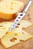 Fromage coupé en tranches Photographie stock libre de droits