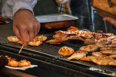 Fromage délicieux grillé fait maison pendant le temps de Pâques photos libres de droits