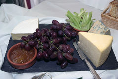 Fromage d'une plaque Images stock