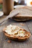 Fromage de brie sur un pain Photographie stock