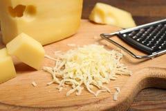 Fromage de Maasdam, fromage râpé photos libres de droits