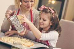 Fromage discordant sur la pizza photos libres de droits