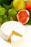 Fromage et fruits Photos libres de droits