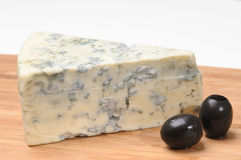 Fromage et olives Photos stock
