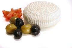 Fromage et olives blancs de la Grèce photographie stock