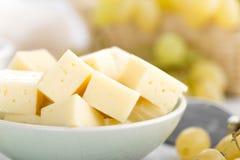 Fromage et raisin photographie stock libre de droits