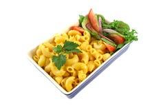 Fromage et salade de macaronis images libres de droits