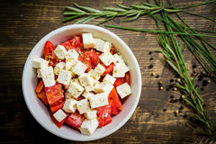 Fromage et salade de tomates Images stock