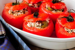 Fromage et vert Olive Stuffed Tomatoes Images stock