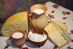 Fromage, lait, crème aigre photo stock