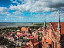 Frombork domkyrka, ställe var Nicolaus Copernicus begravdes Arkivfoton