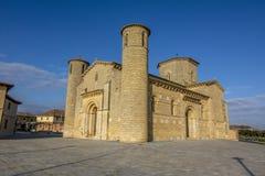 Fromista罗马式教会在途中的向圣地亚哥, Palenc 免版税库存图片