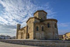 Fromista罗马式教会在途中的向圣地亚哥Palenc 免版税图库摄影