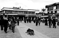 Fromme Leute in Lhasa Lizenzfreie Stockfotografie