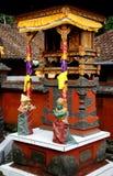 Frommer dekorativer hinduistischer Schrein Stockfotos