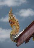 Frontão do telhado do templo de Tailândia Foto de Stock