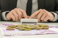Beräkna finansiell konsulent Royaltyfria Foton