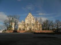 Front der Kathedrale im kielce stockfoto