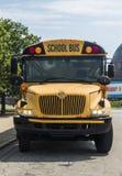 Front eines gelben Schulbusses parkte am Adler-Planetarium am 3. August 2017 - Chicago, Illinois Lizenzfreies Stockfoto