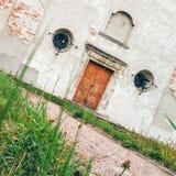 Front Facade av den Olesko Capuchinskloster Arkivfoto