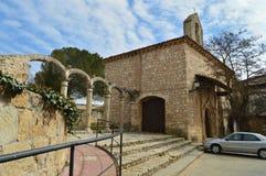 Front Facade Of Remedy Hermitage en Cifuentes Arquitectura, viaje de la religión fotos de archivo