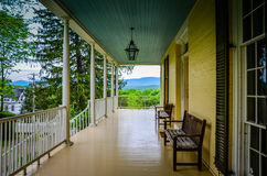 Front Porch - Catskill Mountain View - Thomas Cole National Hist imagem de stock royalty free