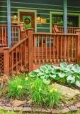 Front Porch da cabine imagens de stock royalty free