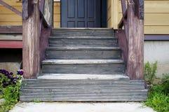 Front Porch sur une vieille maison de campagne images stock