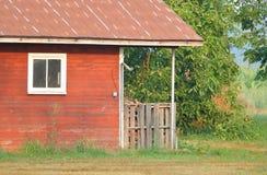 Front Porch und verlassenes Gutshaus Stockbild