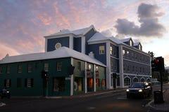 Front Street na noite - Hamilton, Bermuda Fotografia de Stock Royalty Free