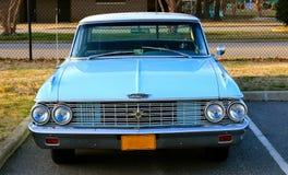 Front View av 60-talmodellen Classic Ford Galaxy 500 XL Fotografering för Bildbyråer