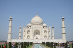 Front View de Taj Mahal Gardens em Agra, Índia Imagem de Stock Royalty Free