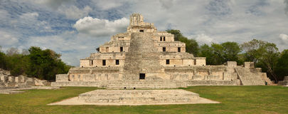 Free Front View Of The Main Pyramid Mayan Edzna. Royalty Free Stock Images - 29235339