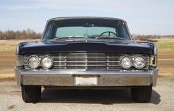 Front View von klassischem antikem Lincoln Continental Stockbilder