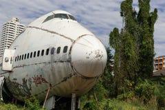 Front weißen Flugzeug wrekage Stockfotos
